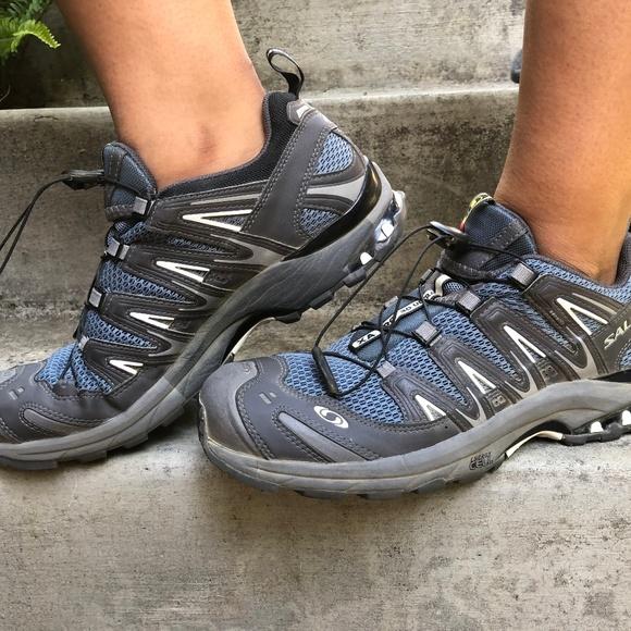 98a43fffe2 Salomon Hiking Shoes